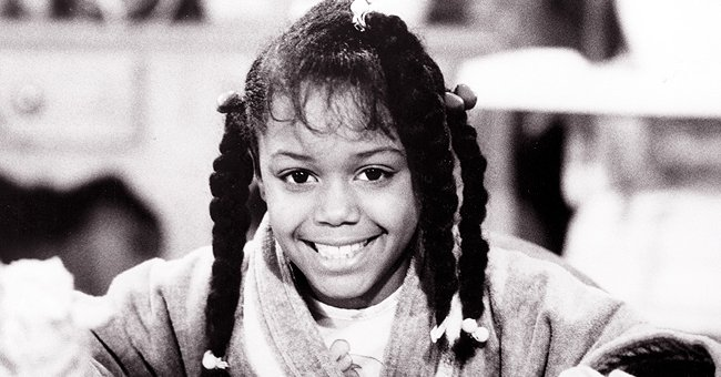Jaimee Foxworth AKA Judy in 'Family Matters' Shows off Stunning Figure & Smile in a Black Dress