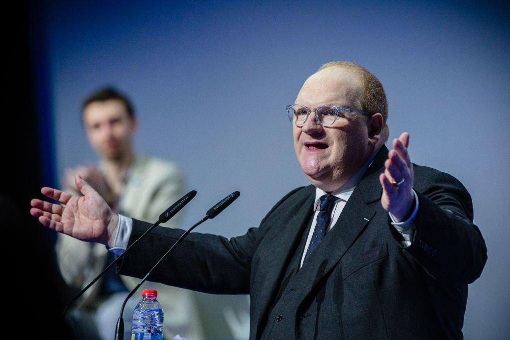 Franck de Lapersonne en plein discours. l Source : Getty Images