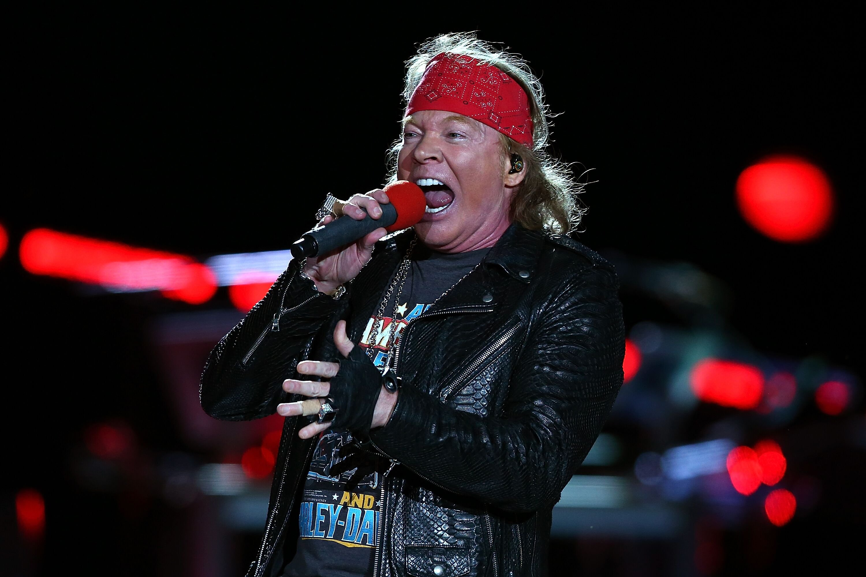 "Axel Rose lors du concert de la tournée Guns N' Roses ""Not in This Lifetime"" au Domain Stadium à Perth, Australie 
