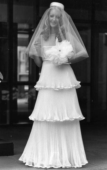 Modelo vestida de novia. | Fuente: Getty Images