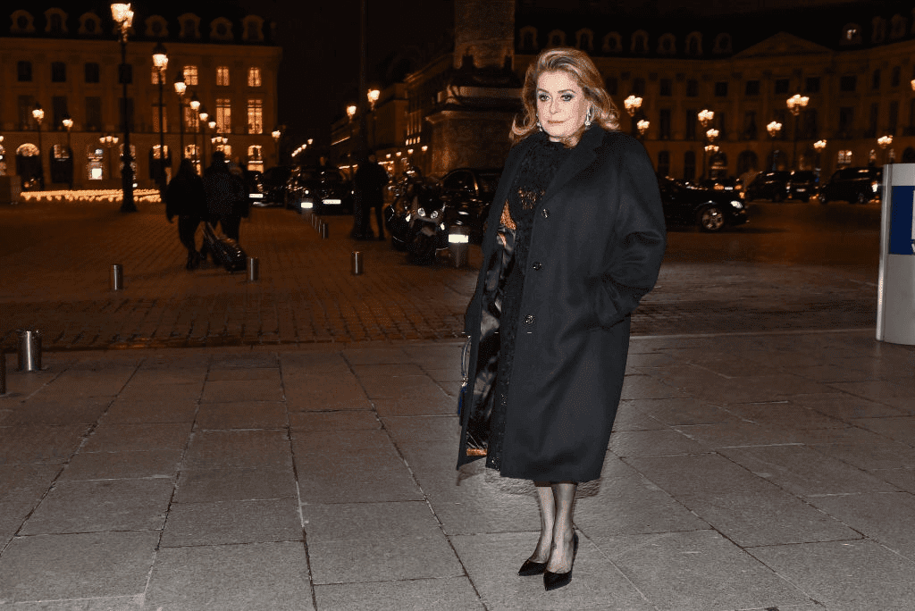Catherine Deneuve est vu arriver au dîner de Boucheron le 20 janvier 2019 à Paris, France. | Photo : Getty Images