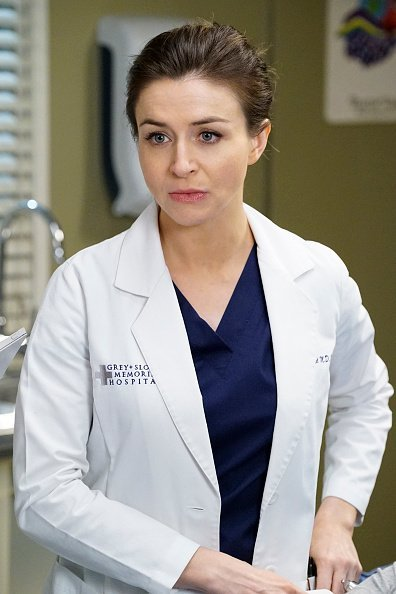 Caterina Scorsone on the set of Grey's Anatomy. | Photo: Getty Images.