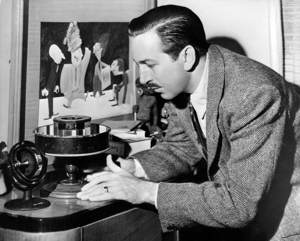 Walt Disney at his desk in 1945. | Photo: Getty Images