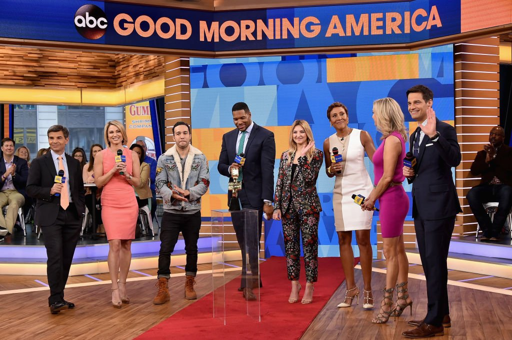 George Stephanopoulos, Lara Spencer, Pete Wentz, Michael Strahan, Julia Michaels and Robin Roberts attend 2017 Billboard Music Awards Nominations Announcement at Good Morning America Studios | Photo: Getty Images