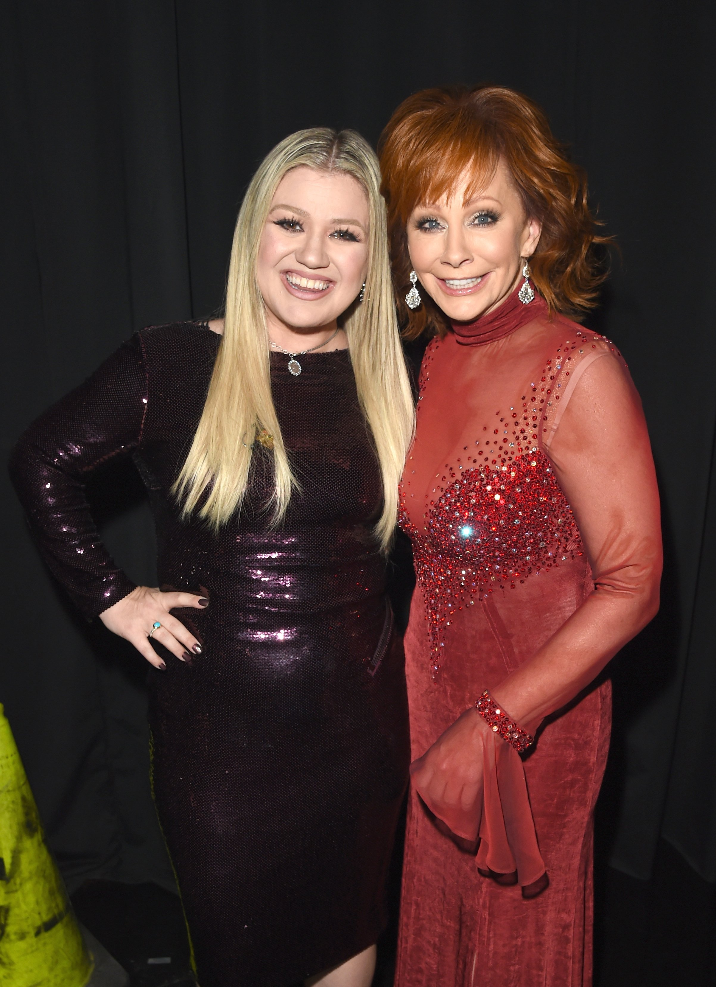 Kelly Clarkson and Reba McEntire on April 15, 2018 in Las Vegas, Nevada | Source: Getty Images