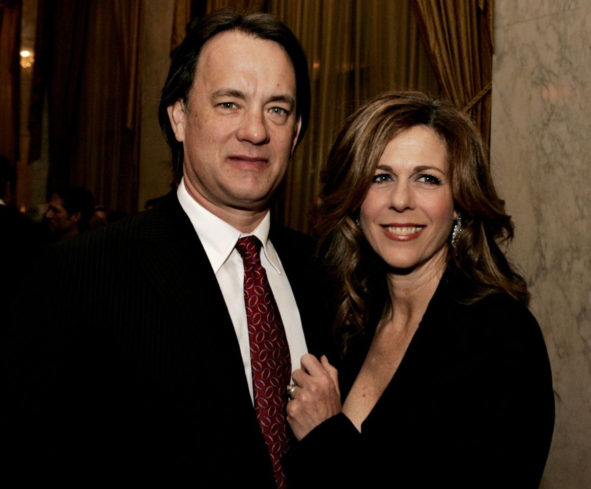 Tom Hanks and Rita Wilson speak during the EIF's Women's Cancer Research Fund on March 1, 2006 at the Regent Beverly Wilshire Hotel in Beverly Hills, California | Photo: Getty Images