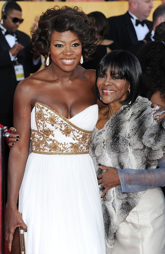 Viola Davis and Cicely Tyson at the 18th Annual Screen Actors Guild Awards at The Shrine Auditorium on January 29, 2012 in Los Angeles, California.|Source: Getty Images