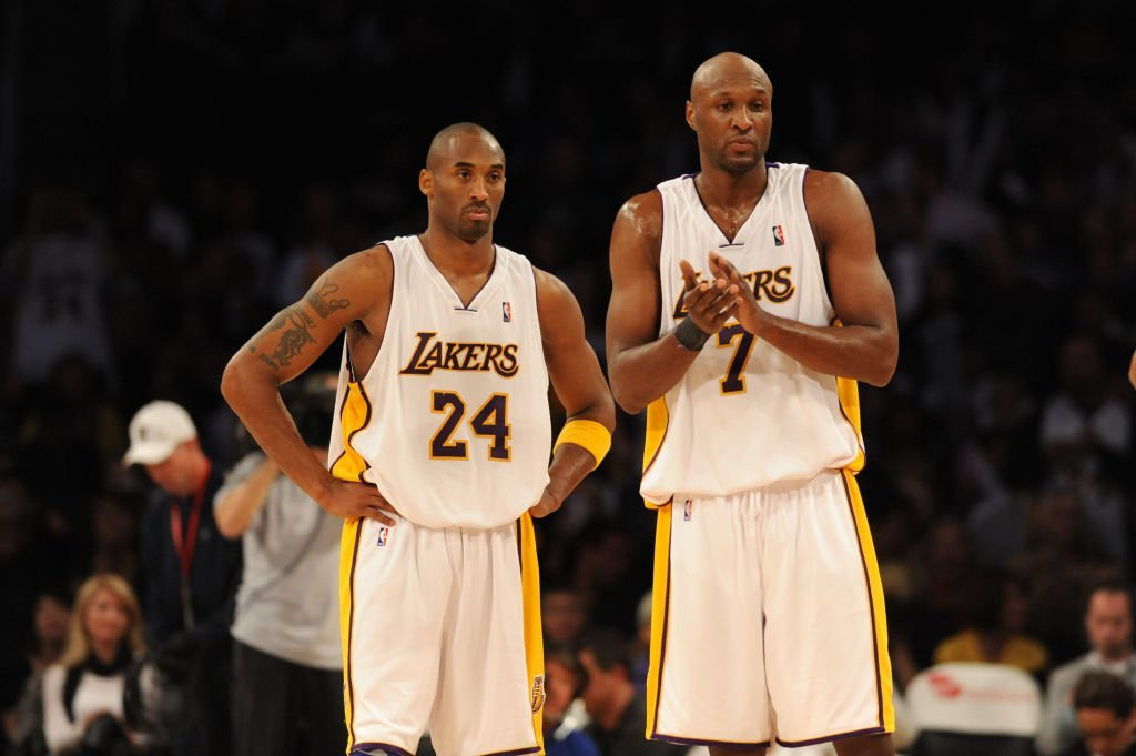 Kobe Bryant #24 and Lamar Odom #7 of the Los Angeles Lakers look on during their game against the Sacramento Kings at Staples Center | Photo: Getty Images