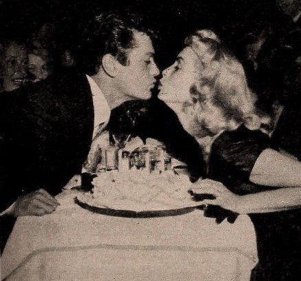 Tony Curtis and Janet Leigh, 1954. | Source: Wikimedia Commons