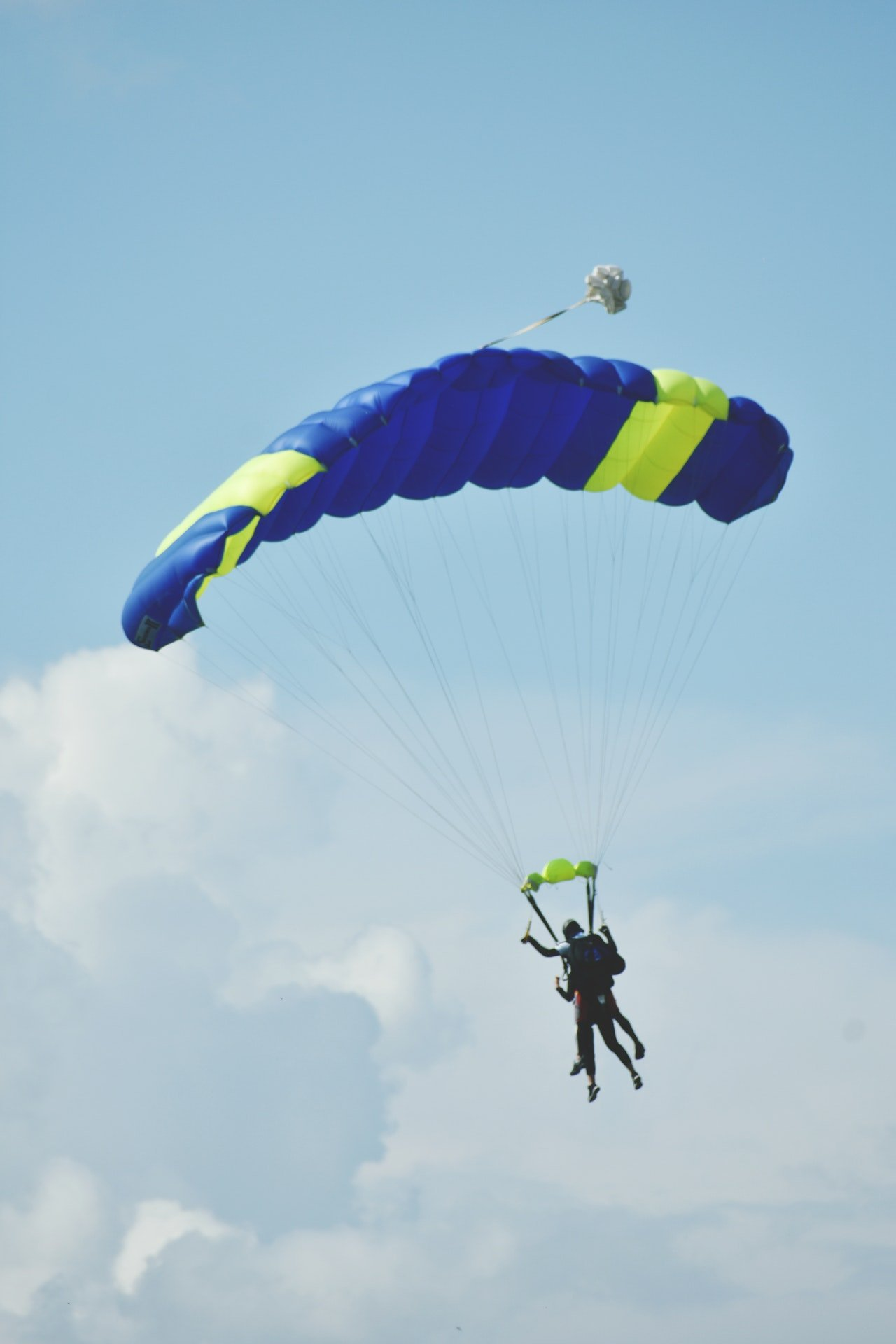 Photo of a man skydiving | Photo: Pexels