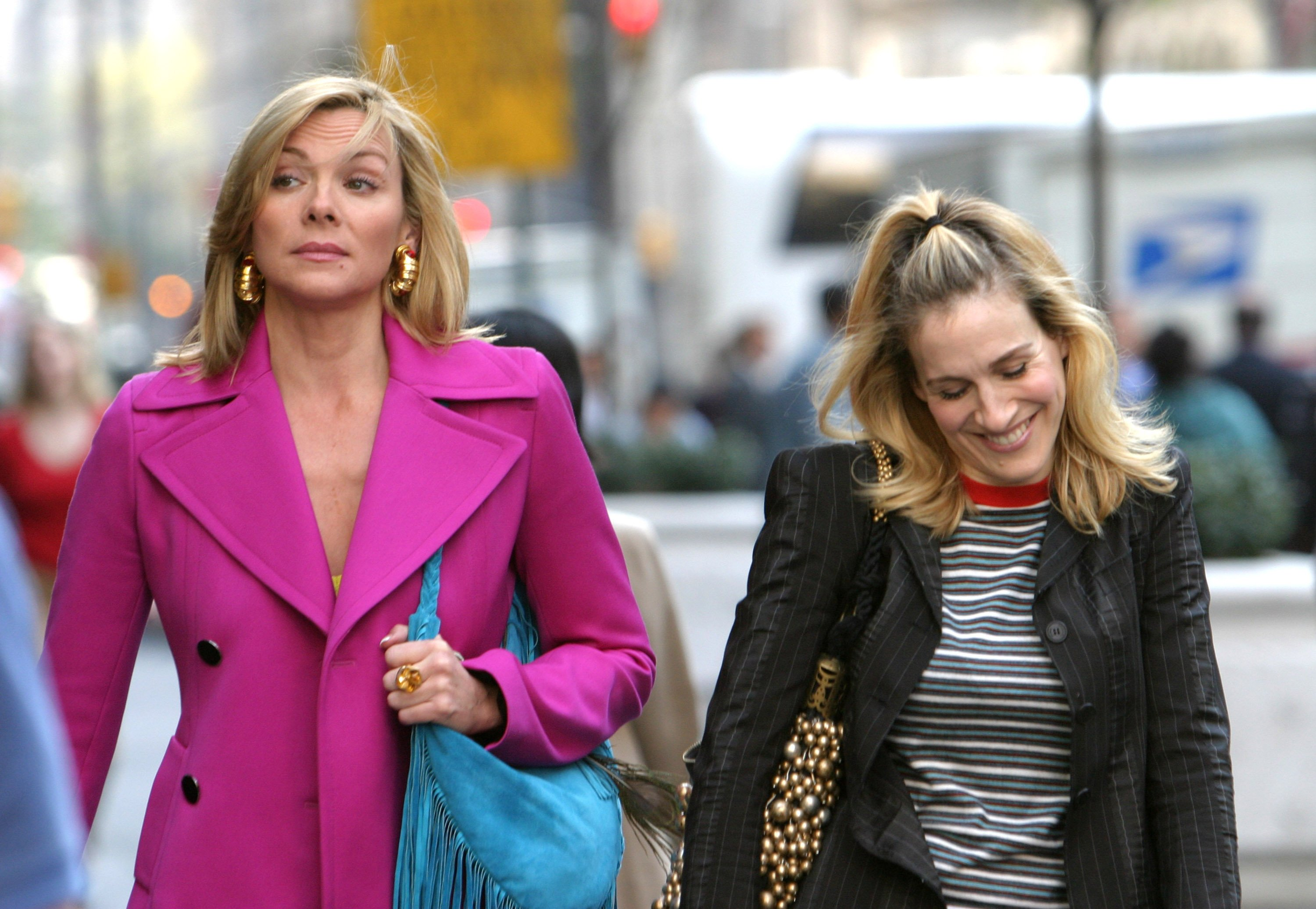 """Kim Cattrall and Sarah Jessica Parker during Kim Cattrall and Sarah Jessica Parker On Location For """"Sex And The City"""" in New York, New York. 