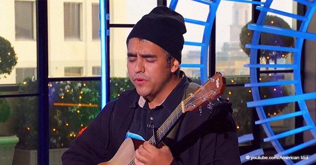 """Un homme entre en scène avec une guitare, les juges l'appellent """"Genius"""" après """"la plus grande audition qu''Idol' ait jamais vue"""""""