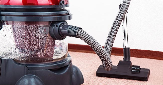 Salesman Tries to Sell Elderly Lady a Vacuum Cleaner