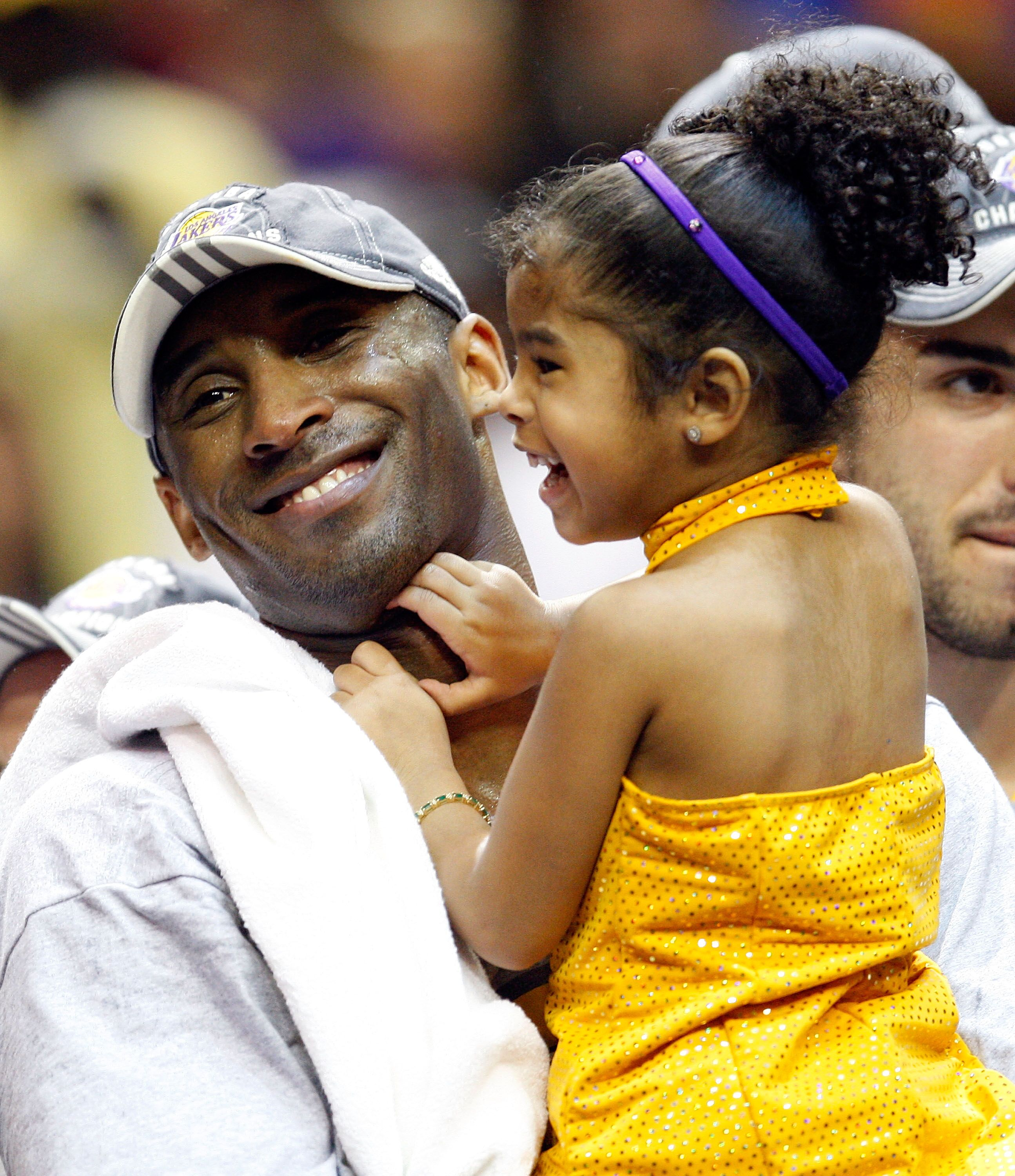Kobe Bryant and Gianna, after the Lakers defeated the Orlando Magic 99-86 in Game Five of the 2009 NBA Finals. | Source: Getty Images