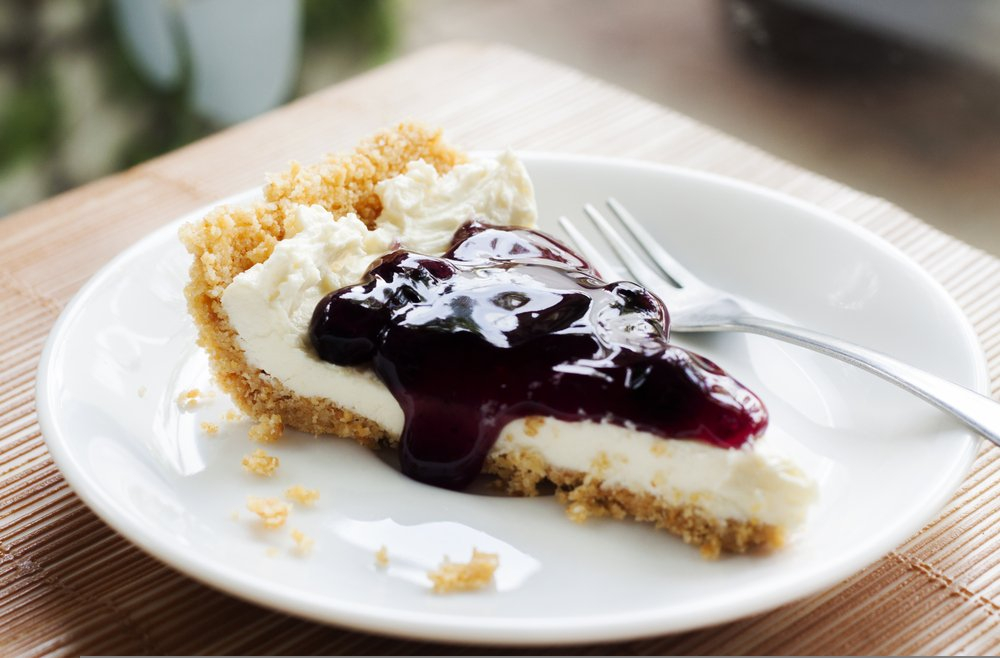 A photo of blueberry cheesecake pie. | Photo: Shutterstock