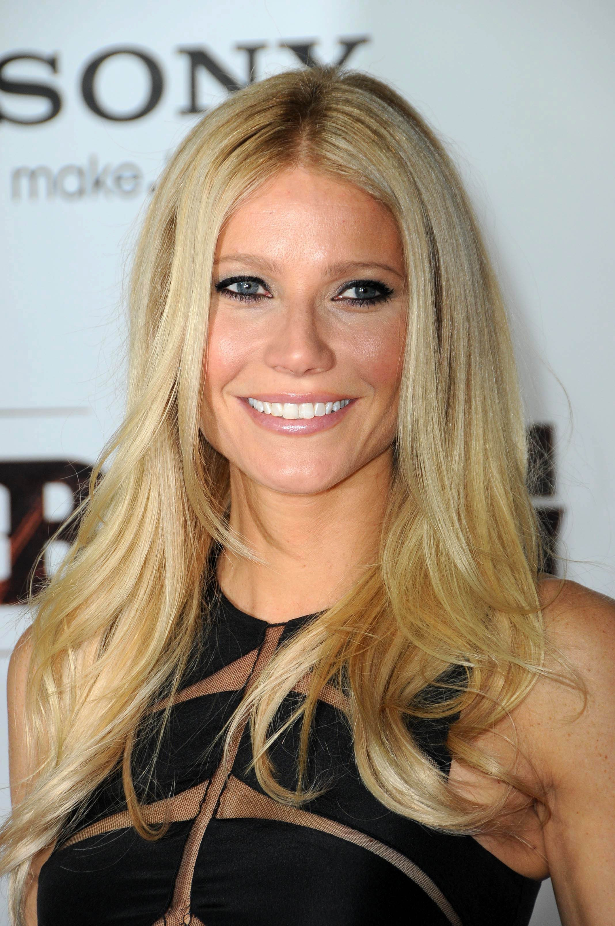 "Source: Shutterstock / Gwyneth Paltrow at the ""Country Strong"" Nashville Premiere on November 8, 2010 in Nashville, Tennessee"