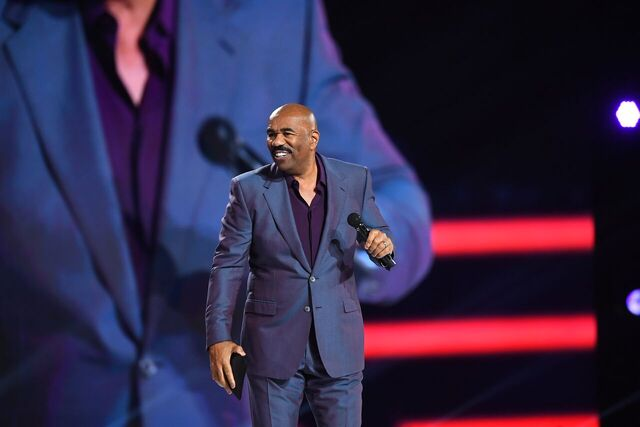 Steve Harvey on-stage one of his hosting gigs | Source: Getty Images/GlobalImagesUkraine