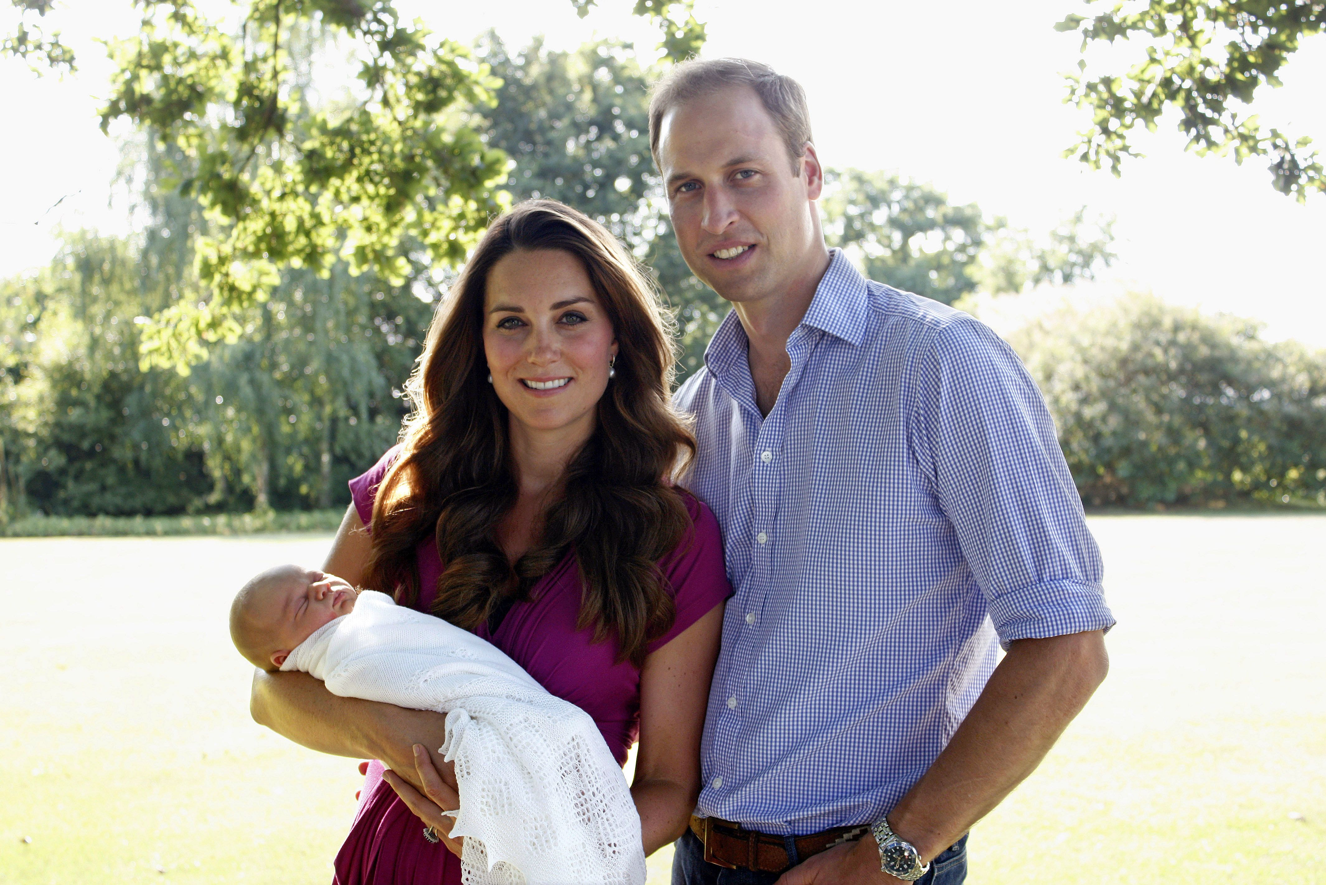 First official photo of Prince George after his birth | Photo: Getty Images