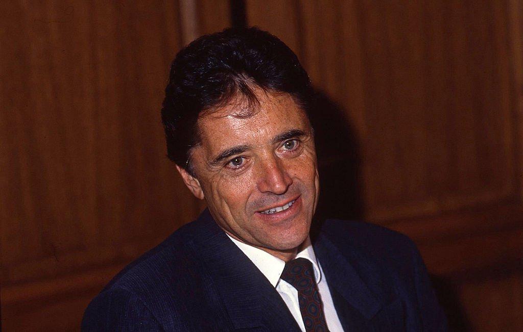 Sacha Distel en 1989 à Paris. l Source : Getty Images