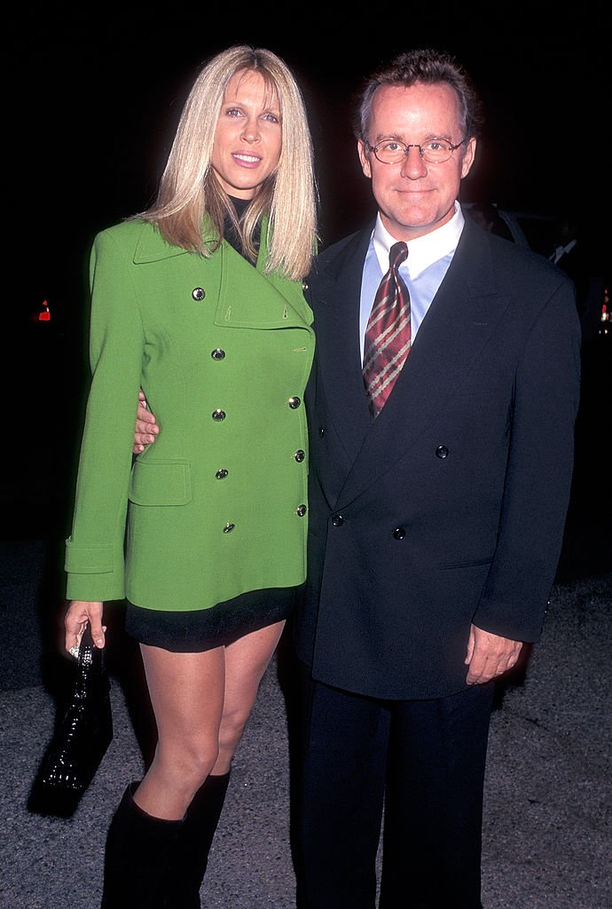 Phil Hartman and wife Brynn at the Neil Bogart Memorial Fund's Children's Choice Award Salute to David Foster on November 12, 1997 | Photo: Getty Images