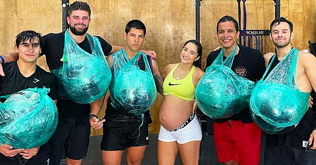 Pregnant Woman Uses 10-Pound Medicine Balls to Show Men How to Work Out While 40 Weeks Pregnant