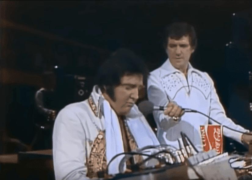 Elvis in South Dakota | Quelle: YouTube/Michael Hembree