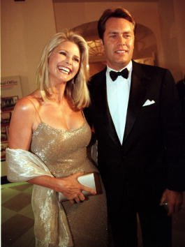 Christie Brinkley and Peter Cook at the White House on September 17, 2000 in Washington, D.C. | Photo: Getty Images