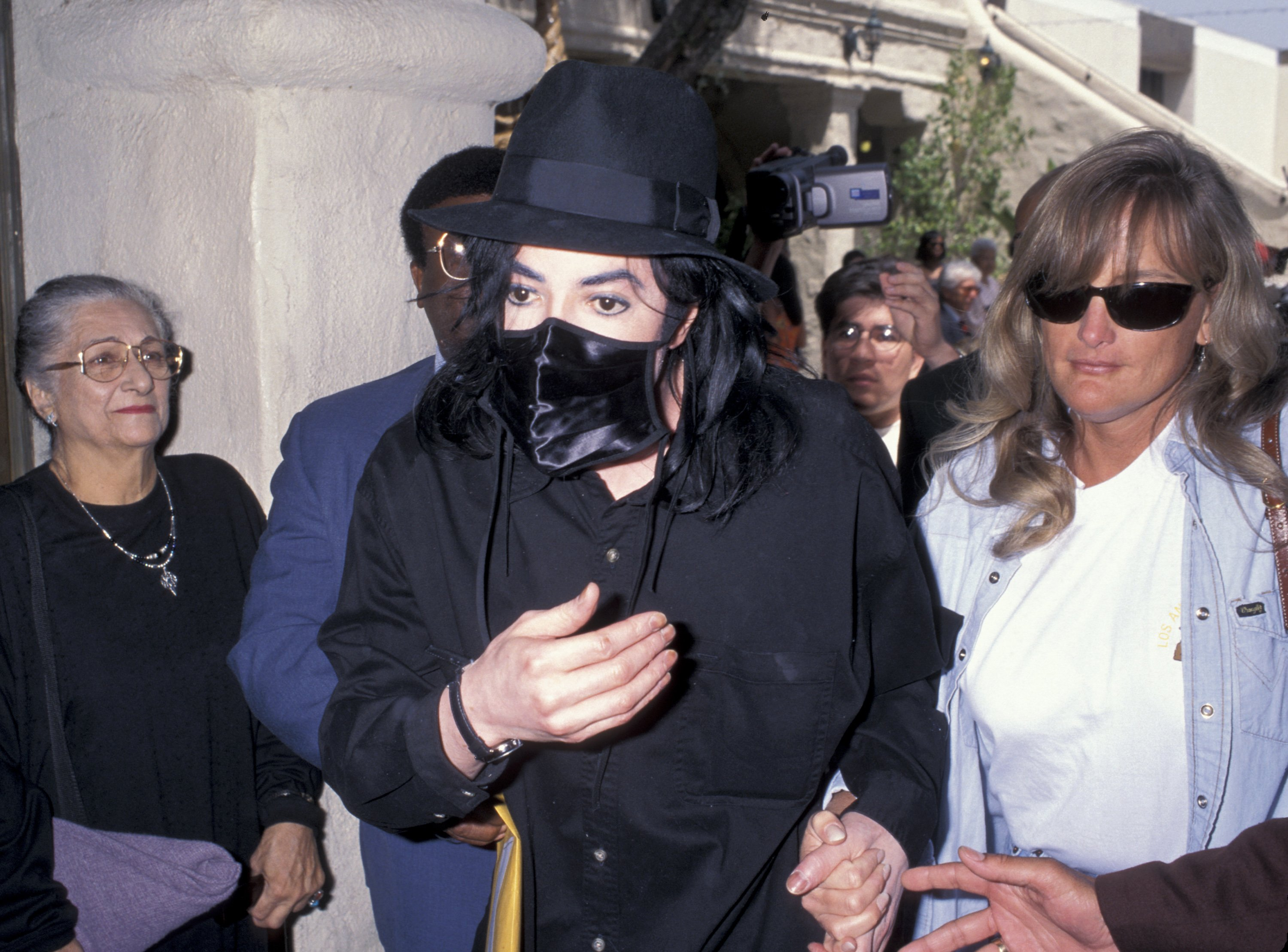 """Michael Jackson and Debbie Rowe, at the Closing Performance of Play """"Sisterella"""" in  April 28, 1996. 
