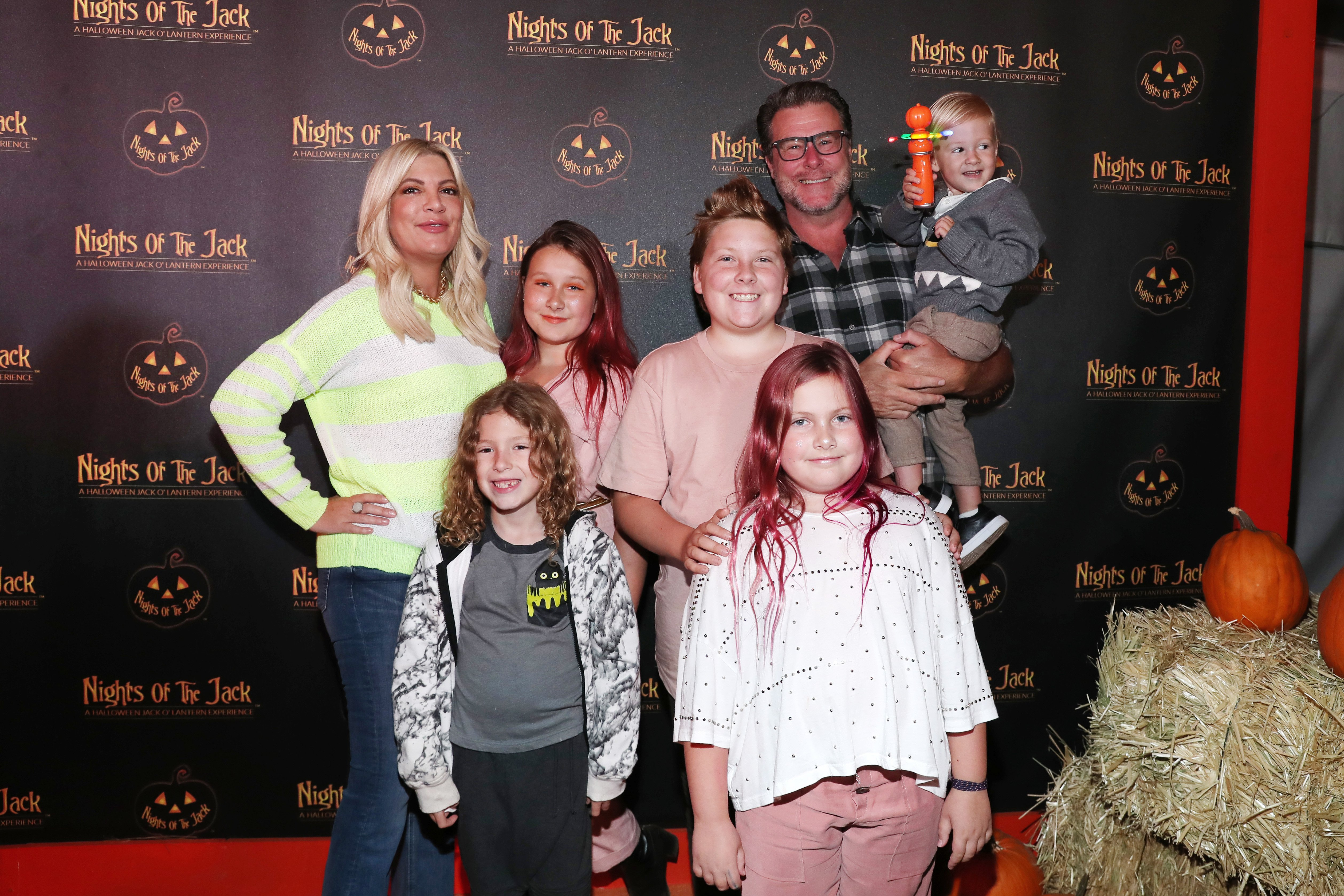 Tori Spelling  and Dean McDermott and family attend Nights of the Jack Friends & Family Night 2019 on October 02, 2019 in Calabasas, California. | Source: Getty Images.