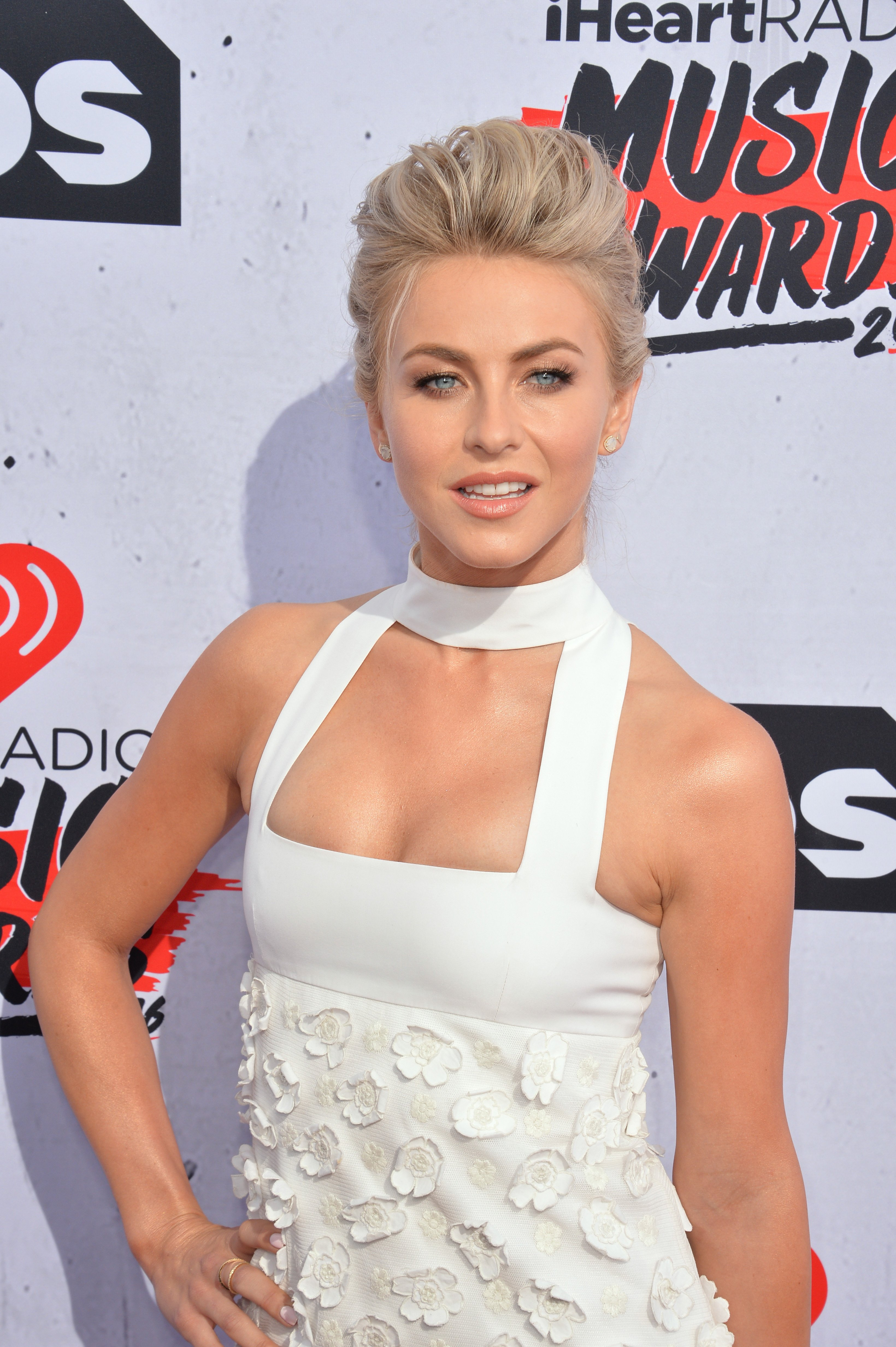 Julianne Hough at the iHeartRadio Music Awards 2016., April 3, 2016. | Photo: Shutterstock