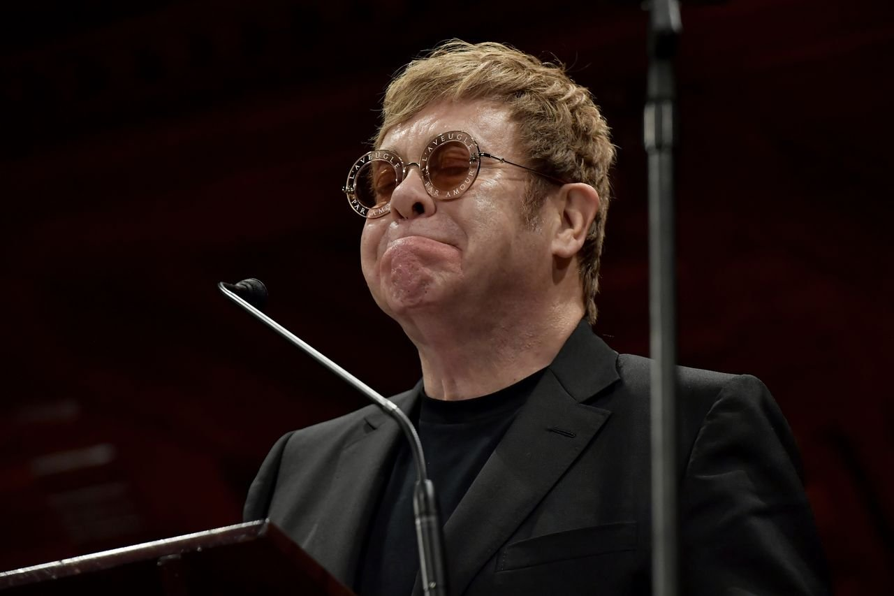 Elton John receives the 2017 Humanitarian of the Year Award at Harvard University. | Source: Getty Images