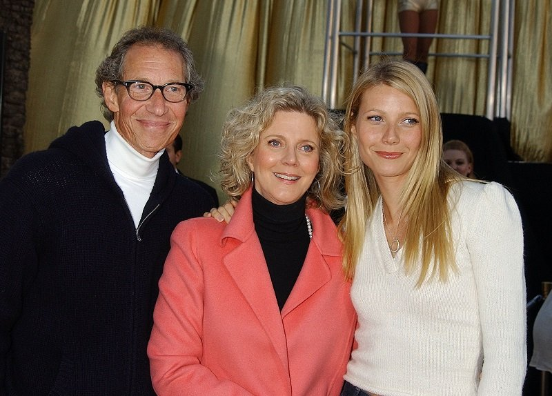 Bruce Paltrow, Blythe Danner and Gwyneth Paltrow on July 22, 2002 | Photo: Getty Images