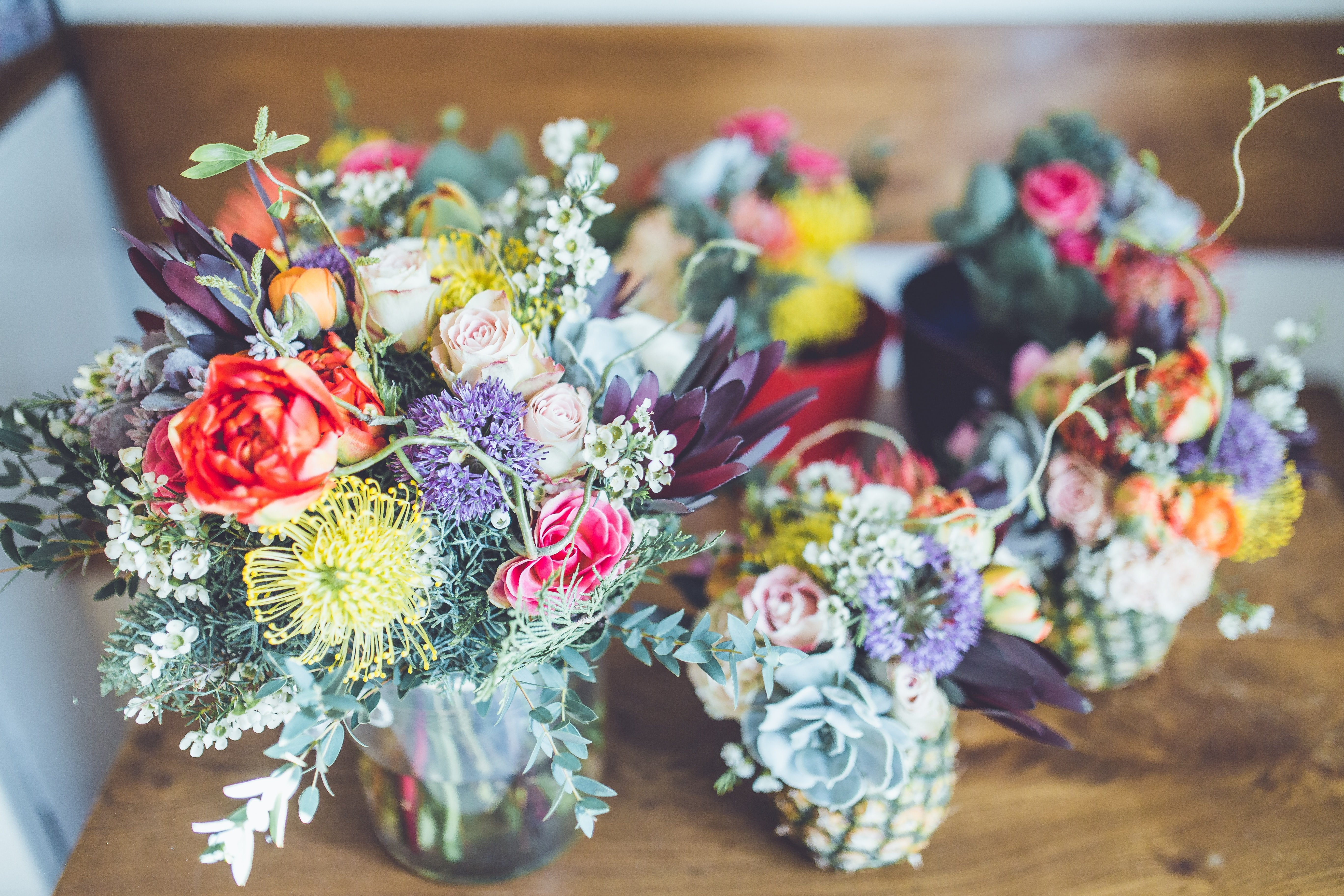 Beautiful flowers in vases | Source: Unsplash.com