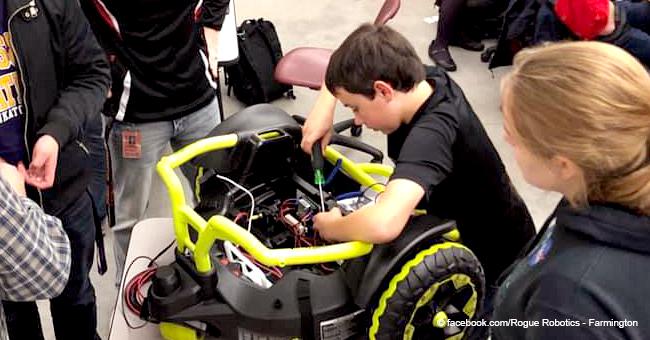 L'équipe d'une école secondaire crée un fauteuil roulant motorisé pour un tout-petit dans le besoin