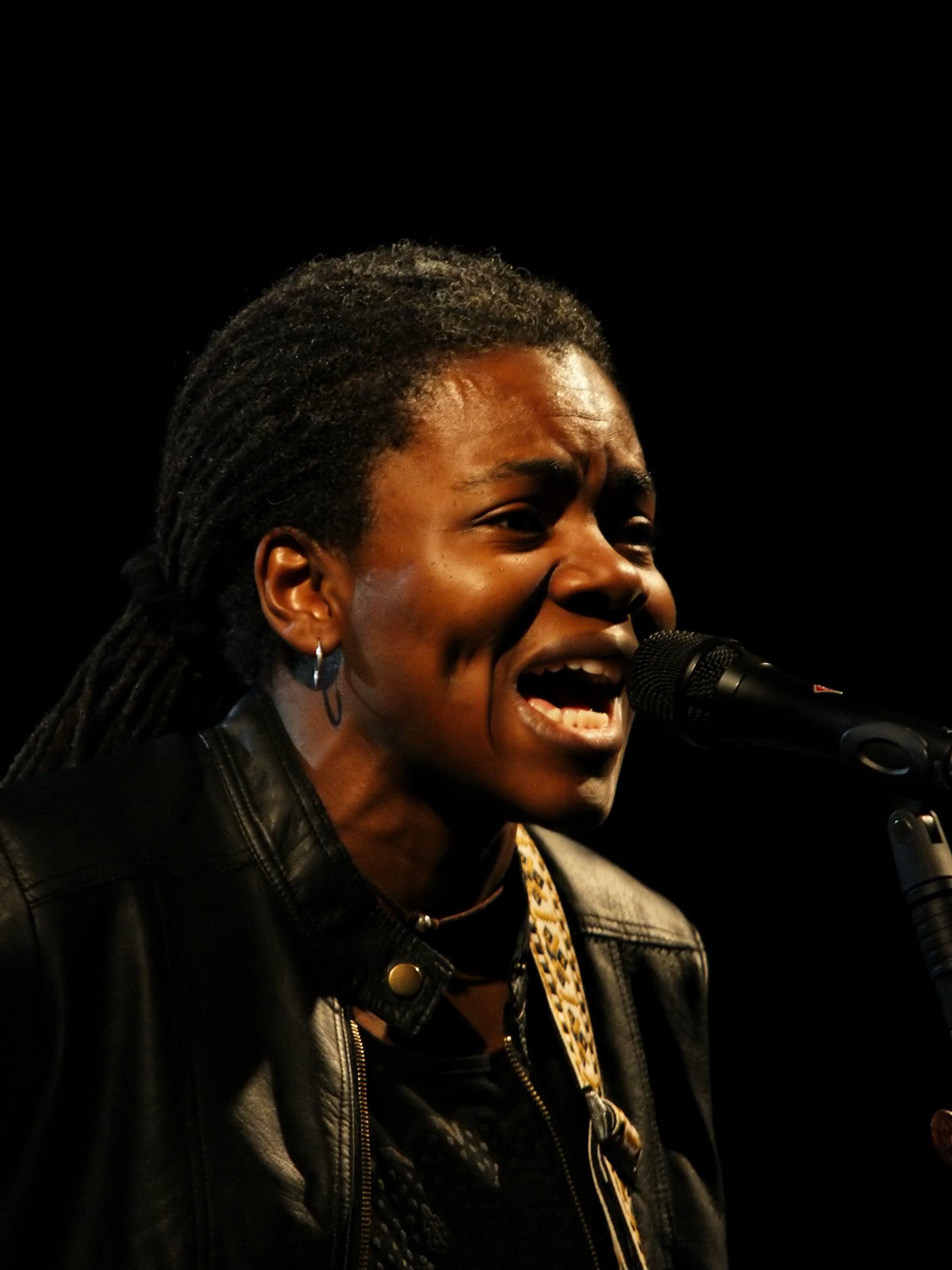 Tracy Chapman at the 2009 Cactus Festival in Bruges, Belgium on 10 July 2009 | Photo: Wikimedia Commons By © Hans Hillewaert, CC BY-SA 4.0