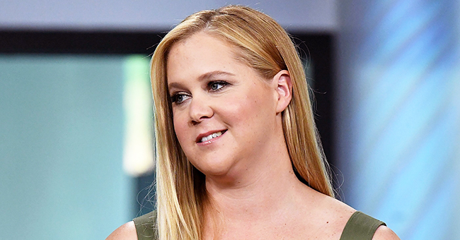 'Snatched' Actress Amy Schumer Shows off 10-Pound Weight Loss in Black Swimsuit in New Photo