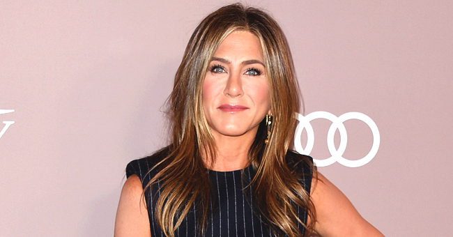 Jennifer Aniston Joins Instagram and Shares Rare Photo of the Full 'Friends' Cast Together