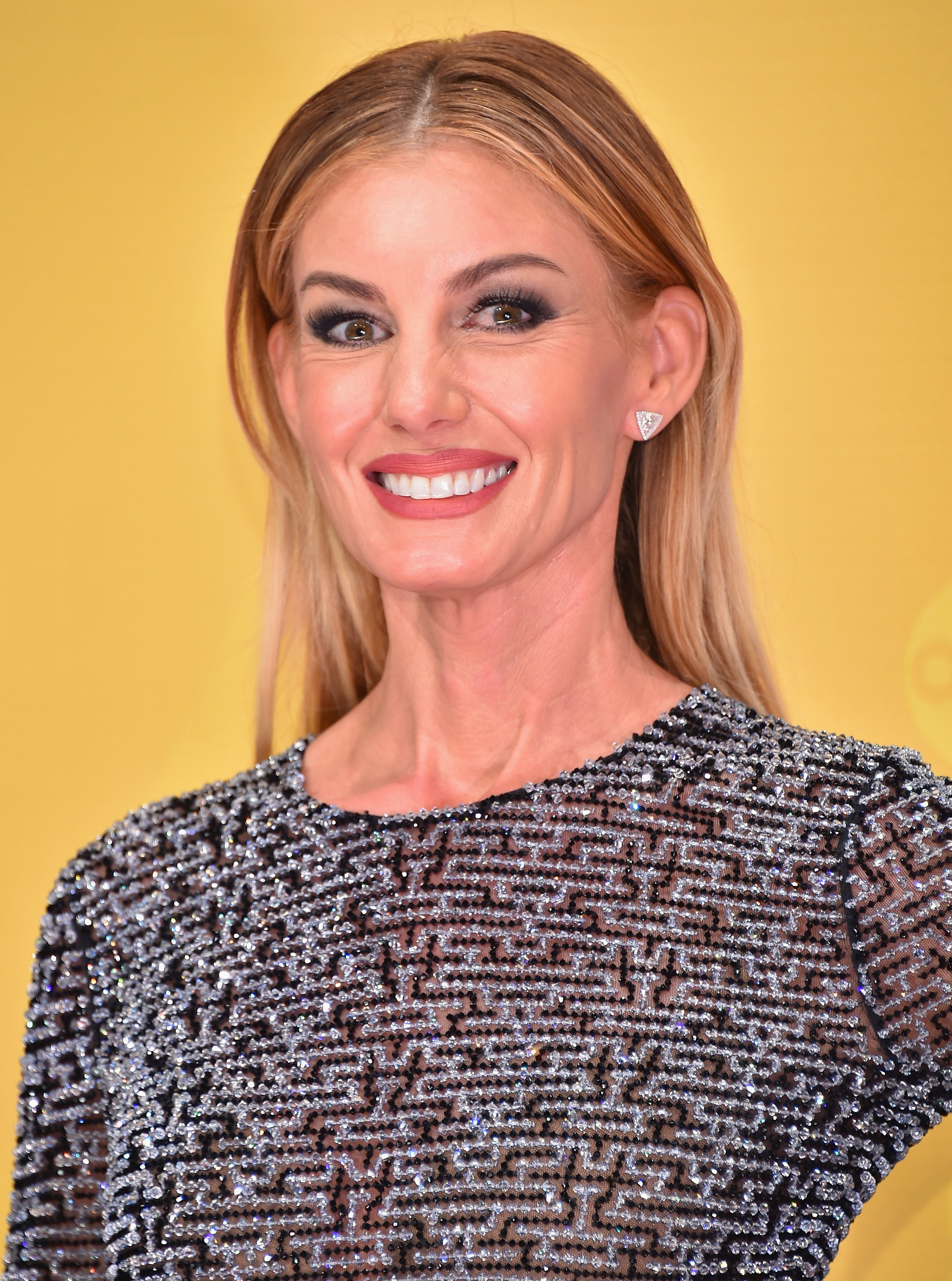 Faith Hill attends the 50th annual CMA Awards at the Bridgestone Arena on November 2, 2016  | Photo: GettyImages