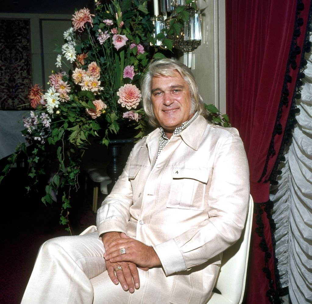 Portrait of American country music performer Charlie Rich in London, England, 1978 | Source: Getty Images