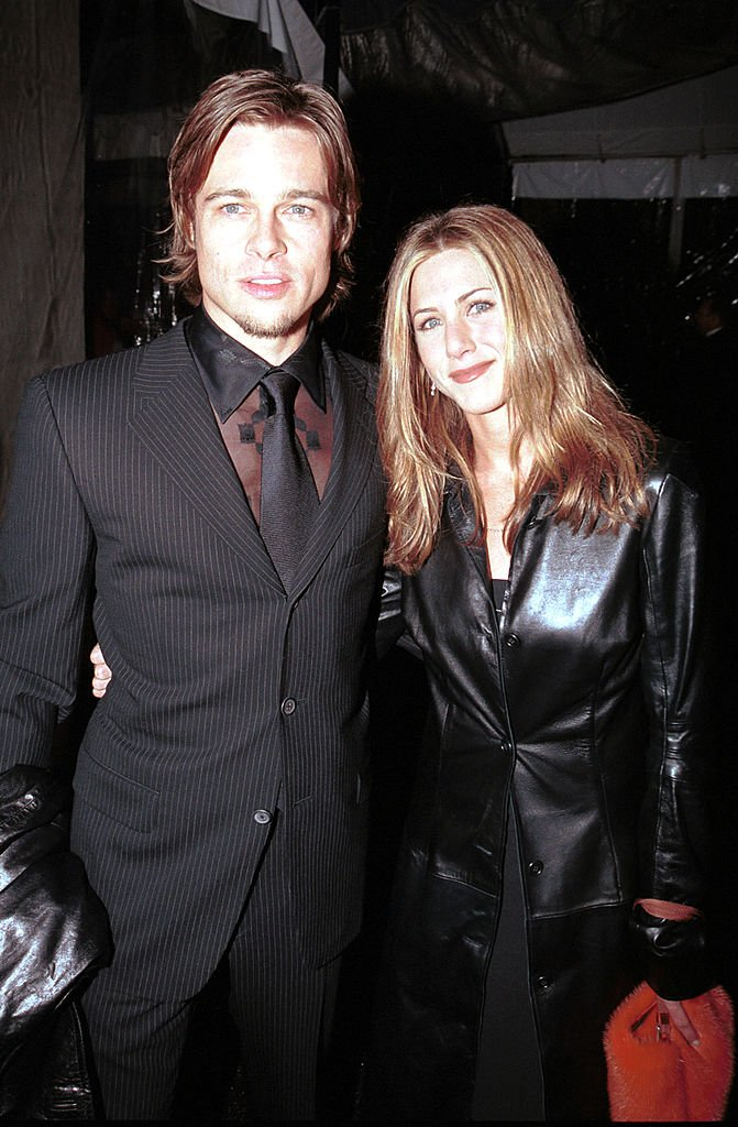 Brad Pitt et Jennifer Aniston aux 42ème Grammy Awards. l Source : Getty Images