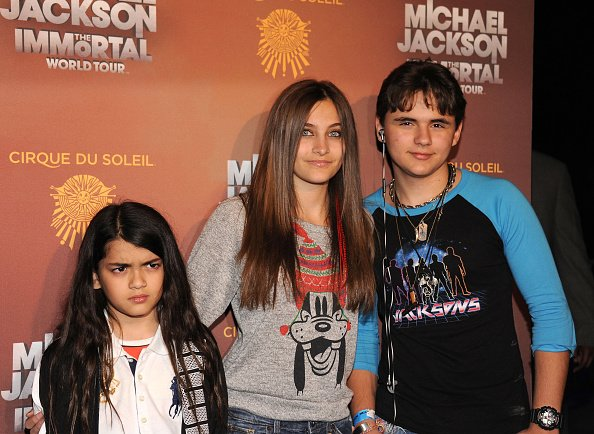 Blanket, Paris, and Prince Jackson at Staples Center on January 27, 2012 in Los Angeles, California. | Photo: Getty Images