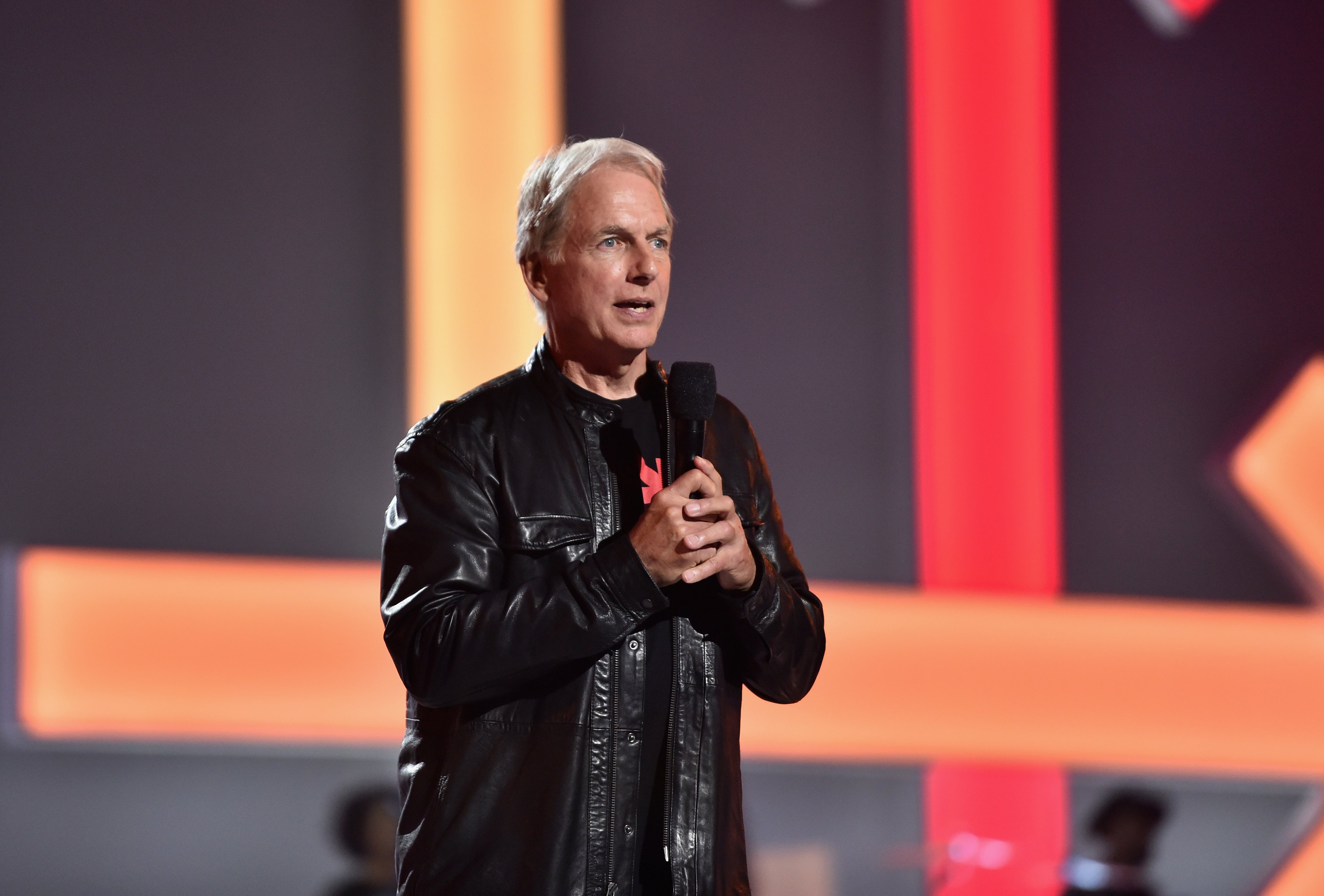 Mark Harmon speaks onstage at the sixth biennial Stand Up To Cancer (SU2C) telecast at the Barkar Hangar on Friday, September 7, 2018. | Source: Getty Images
