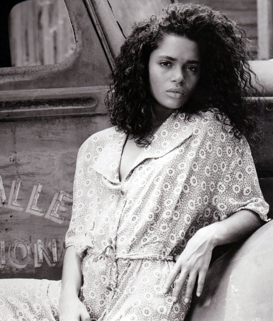 CIRCA 1987: Lisa Bonet plays Epiphany Proudfoot , a young woman involved with the occult who Harry Angel encounters in his search for a mysterious big band singer | Photo: GettyImages