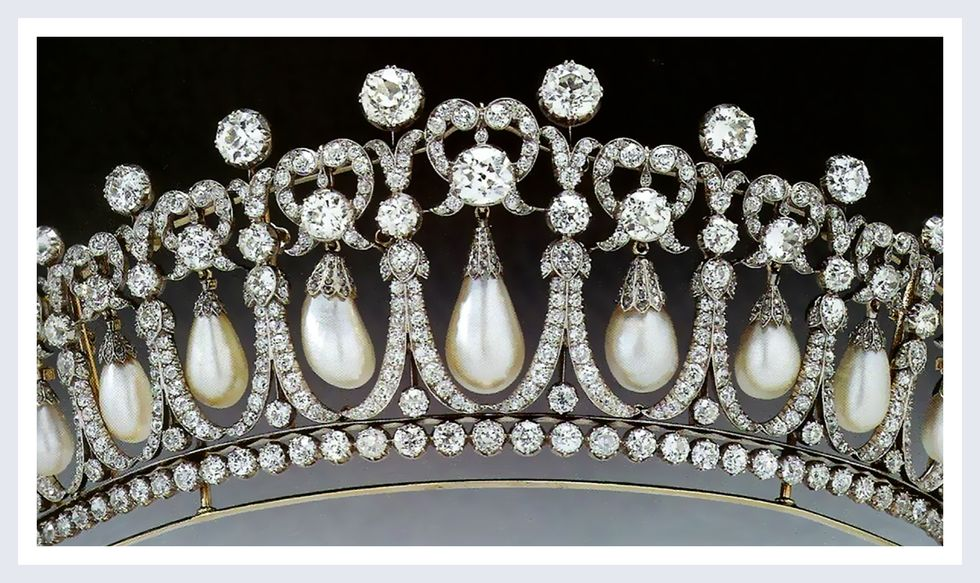Queen Mary's Lover's Knot Tiara | Photo Credit: YouTube/ Top News 24h