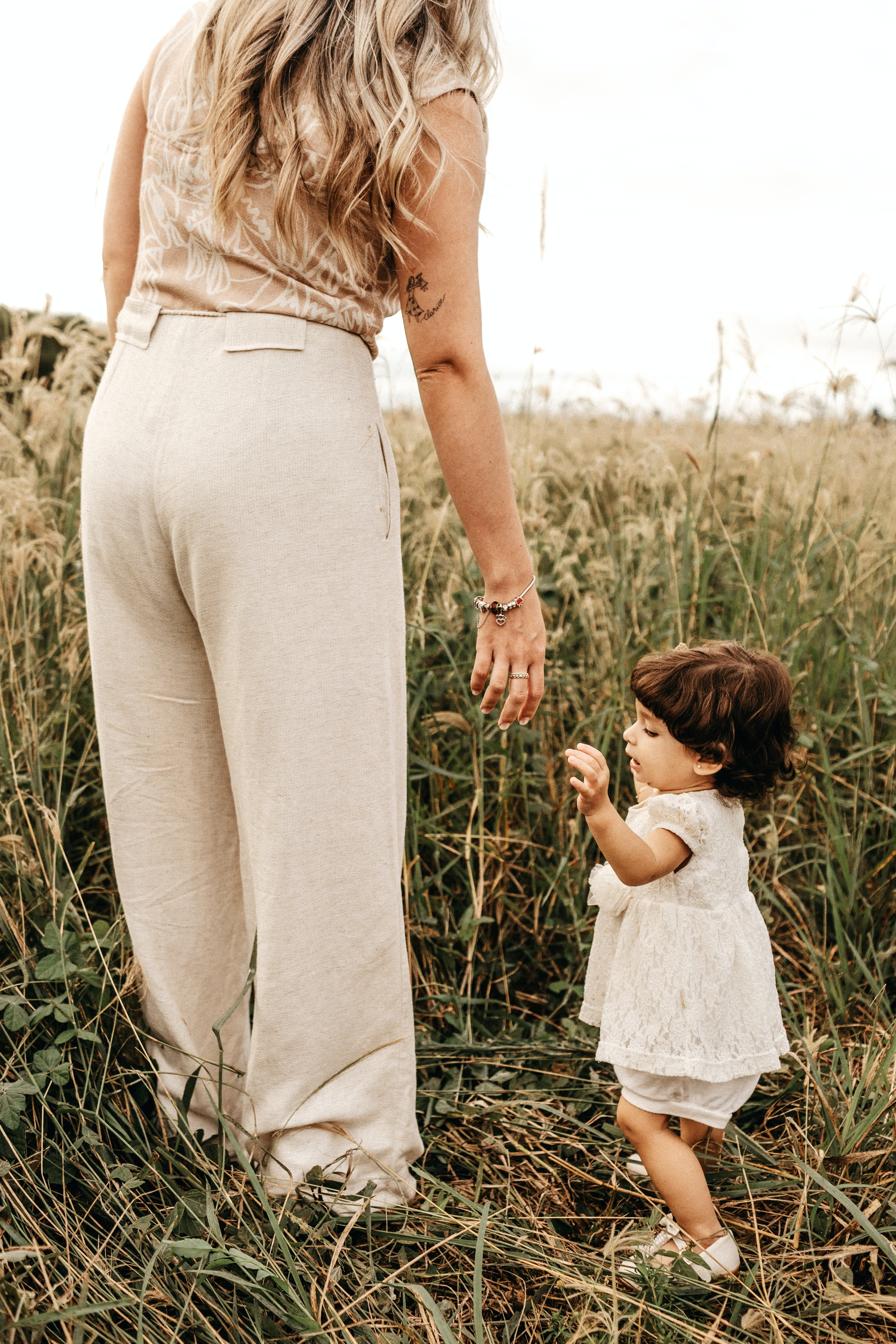 Woman and little girl   Source: Unsplash