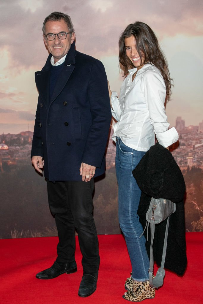 Ninon Dechavanne aux côtés de son célèbre père. l Source : Getty Images