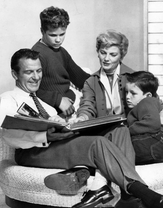 """Hugh Beaumont, Tony Dow, Barbara Billingsley, and Jerry Mathers in an episode of """"Leave it to Beaver."""" 