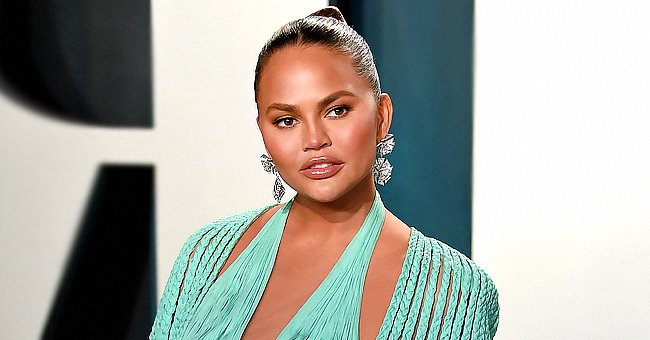 See the Sweet Messages from Celebrities to Chrissy Teigen & John Legend after Their Miscarriage