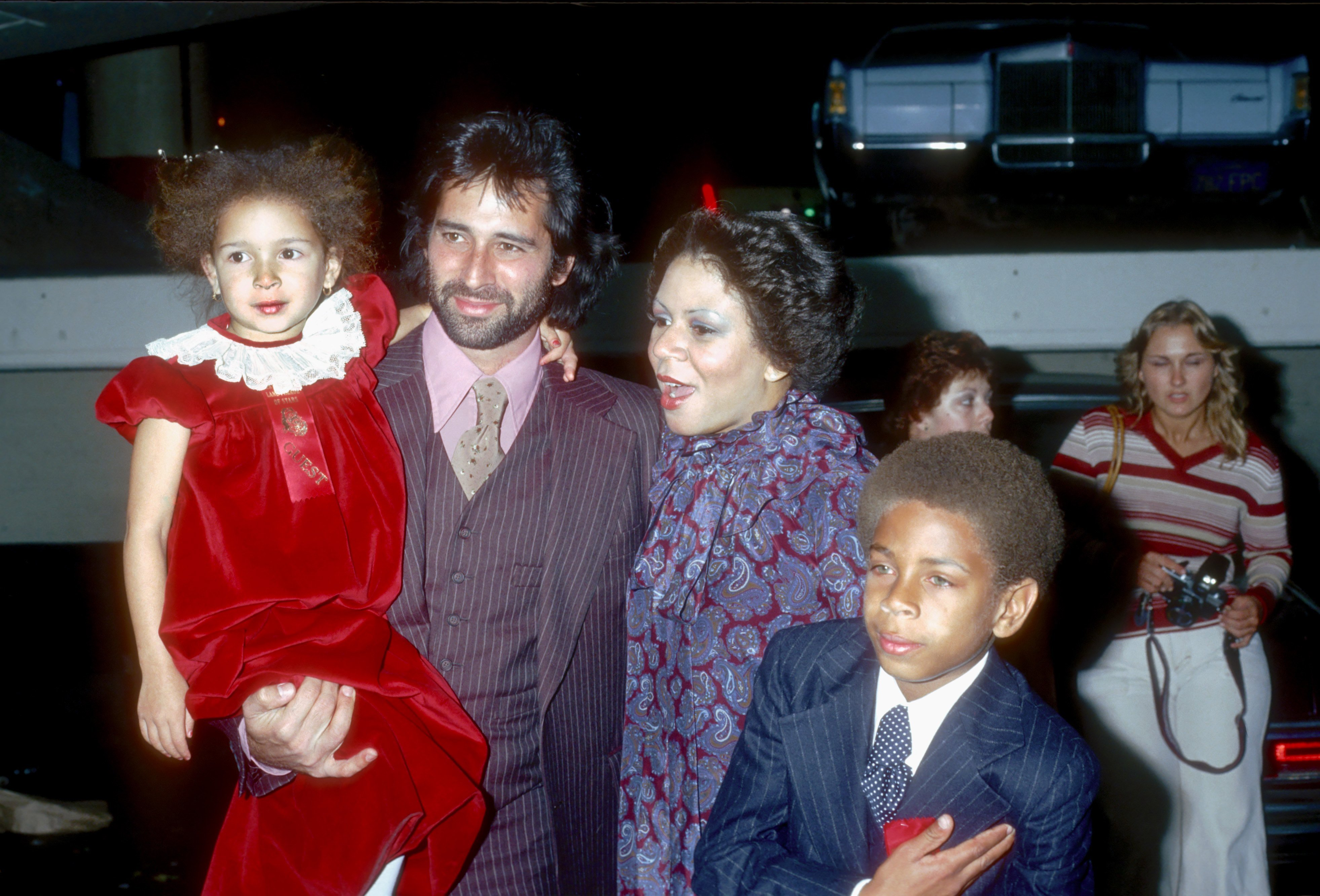 Minnie Riperton, Richard Rudolph and their children Maya and Marc Rudolph at the Hollywood Christmas Parade in December 1978 in Los Angeles, California.   Photo: Getty Images