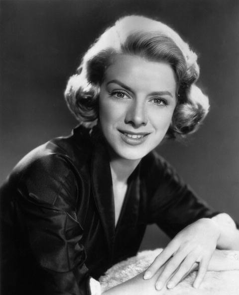 Rosemary Clooney poses for a studio portrait in this 1953 photo. | Source: Getty Images.
